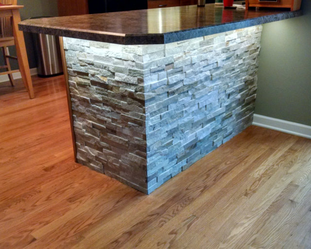 Stacked Stone Lighting Counter -
