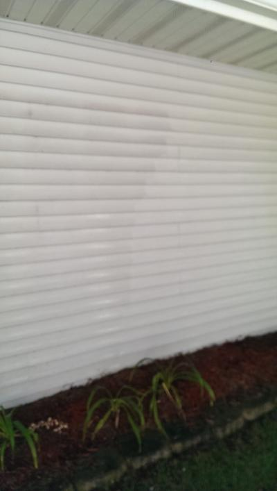 Power Washing (cleaned siding)